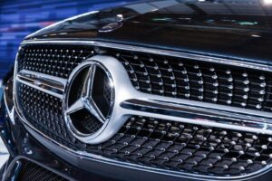 Mercedes W216