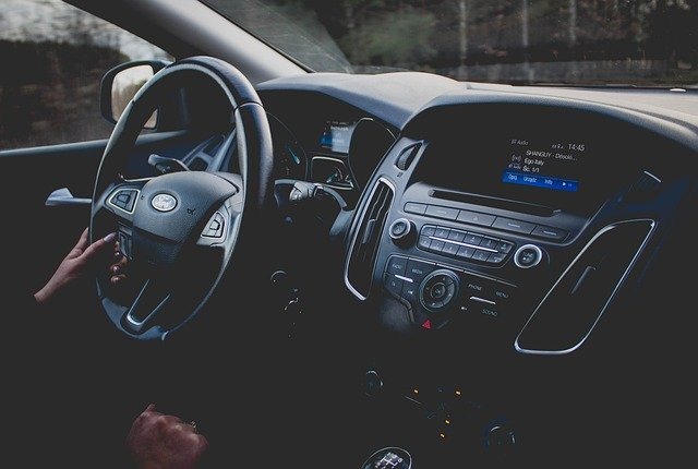 Auto zastępcze z OC TUW – pomoc w przypadku kolizji drogowej